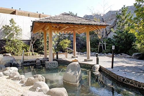 121114大江戸温泉露天風呂.jpg