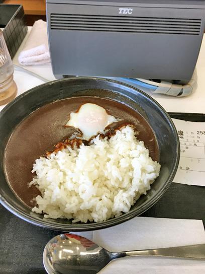 170509吉牛豊洲半熟玉子黒カレー.jpg