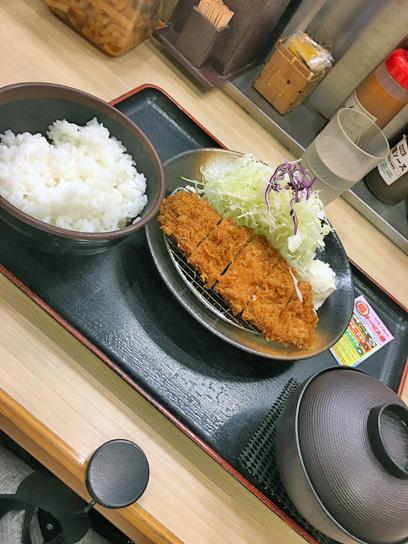 180530松乃家勝どき得朝ロースかつ定食1.jpg