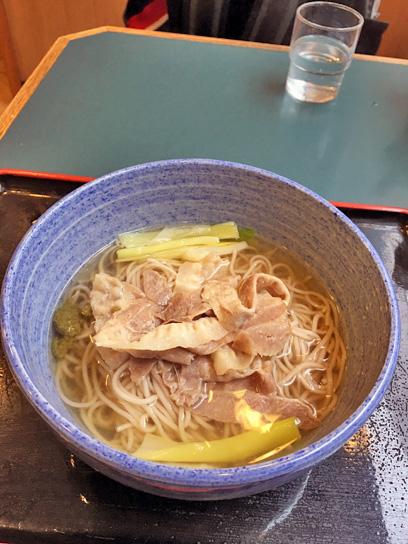161030小諸歌舞伎香味豚そば1.jpg
