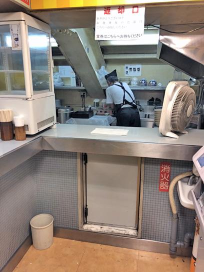 180715常盤軒そば処品川24厨房1.jpg