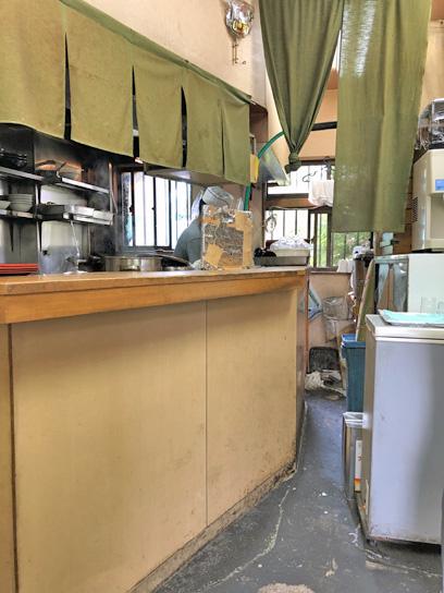 190621亀島厨房作業中1.jpg